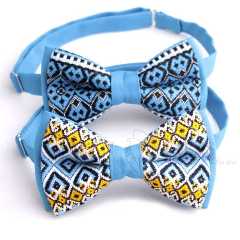 галстук-бабочка с вышивкой