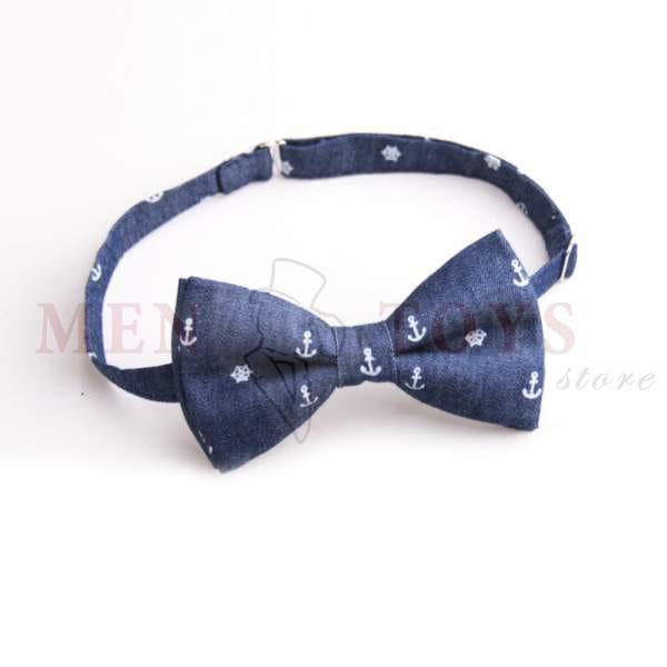 галстук-бабочка синего цвета с якорями и штурвалами