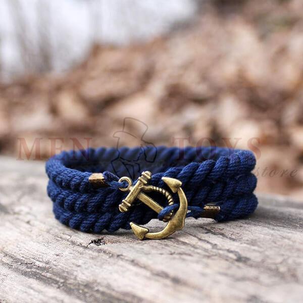 браслет синего цвета с якорем 3 оборота