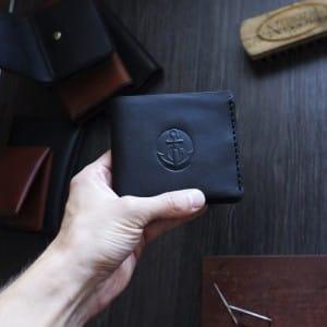 Кожаный кошелек для мужчин ручной работы