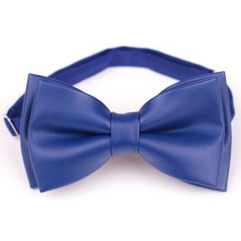 Синяя галстук бабочка из заменителя кожи