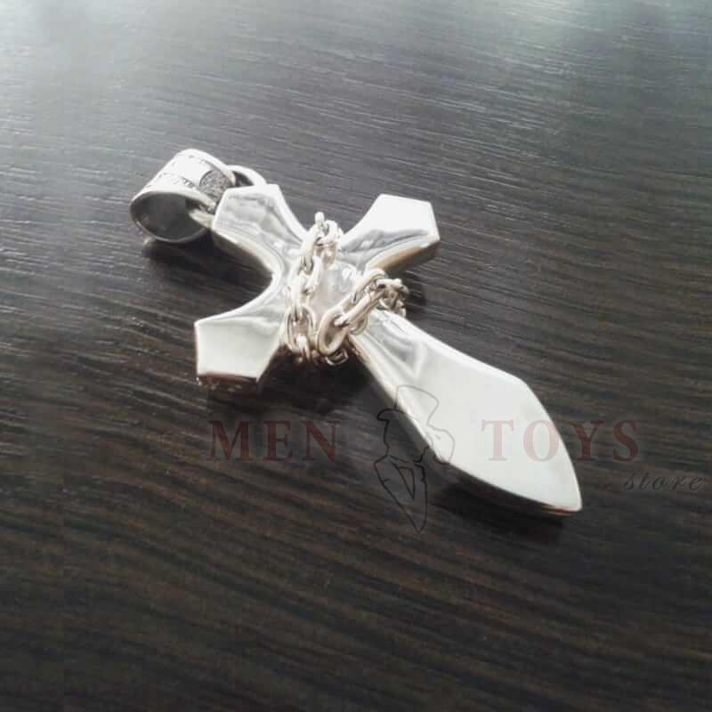 кулон из серебра в форме креста окованного цепью