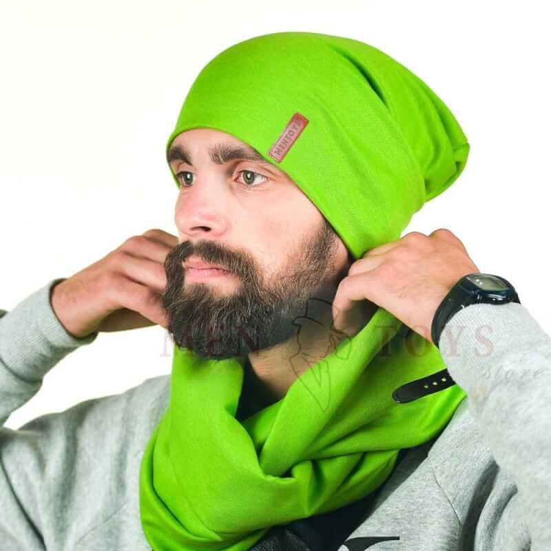 ярко-зеленая мужская шапка