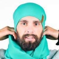 Мужская шапка мятного цвета