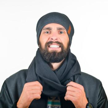 Серый набор: мужской снуд и шапка