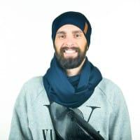 Темно-синий шарф для мужчин с шапкой
