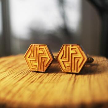 Оригинальные запонки из дерева, шестиугольные
