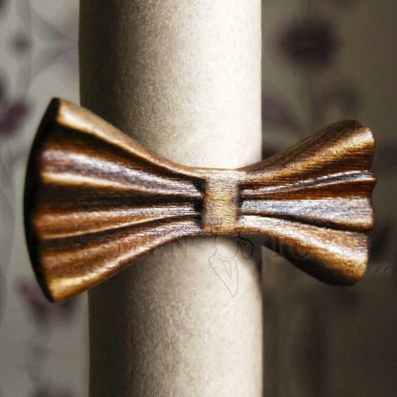 галстук-бабочка из натурального дерева