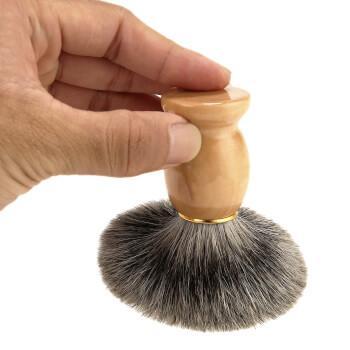 Помазок для бритья c деревянной ручкой