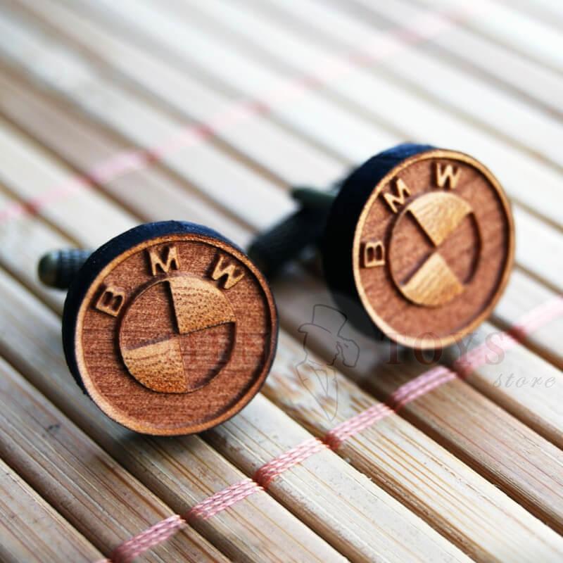 стильные деревянные запонки bmw