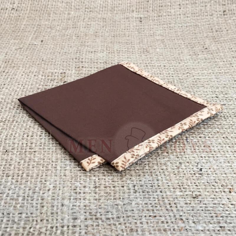 коричневый нагрудный платок с цветочным кантом