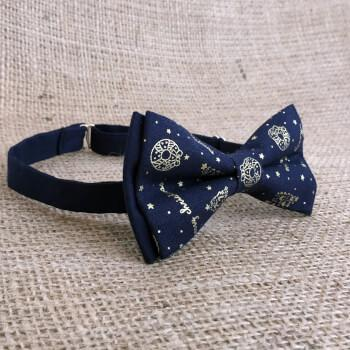 Новогодняя галстук-бабочка с золотистым узором