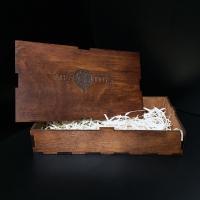 Деревянная подарочная коробочка для кожаных изделий