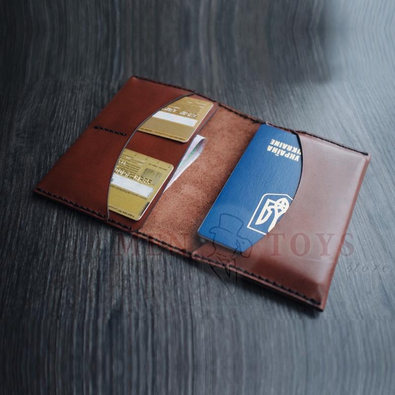 Кожаная обложка на паспорт (на 2 паспорта) ручной работы в Киеве, Днепропетровске, Харькове, Одессе