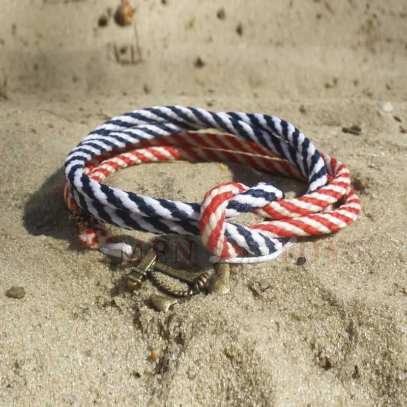 двойной браслет с якорем. полосатый