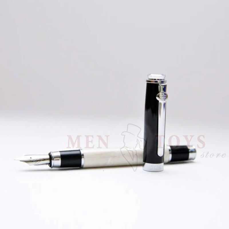 перьевая ручка со светлой вставкой жемчужного цвета