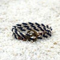 Полосатый браслет с якорем