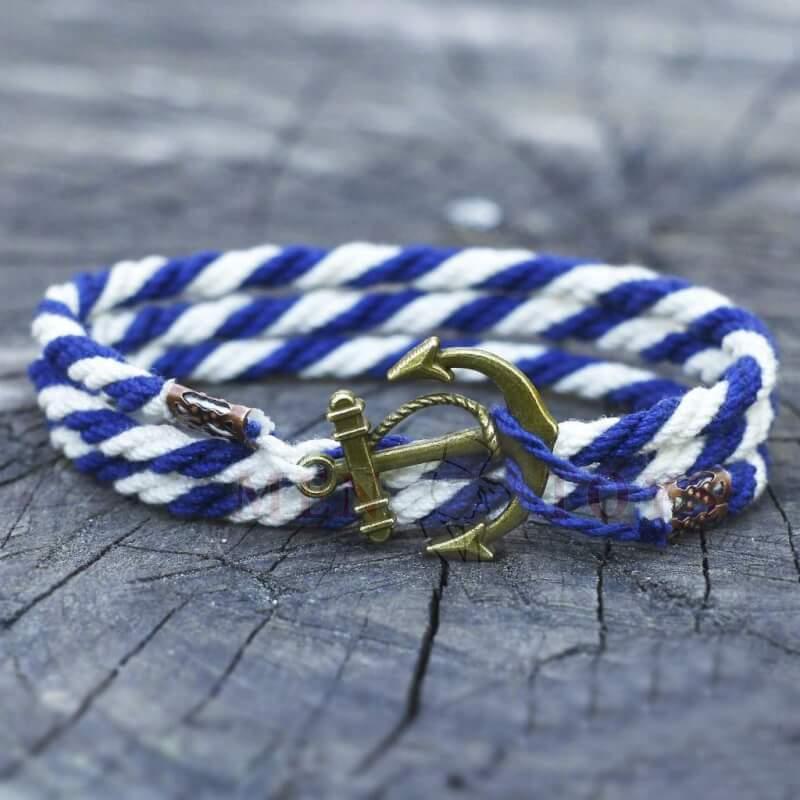 бело-синий браслет с якорем