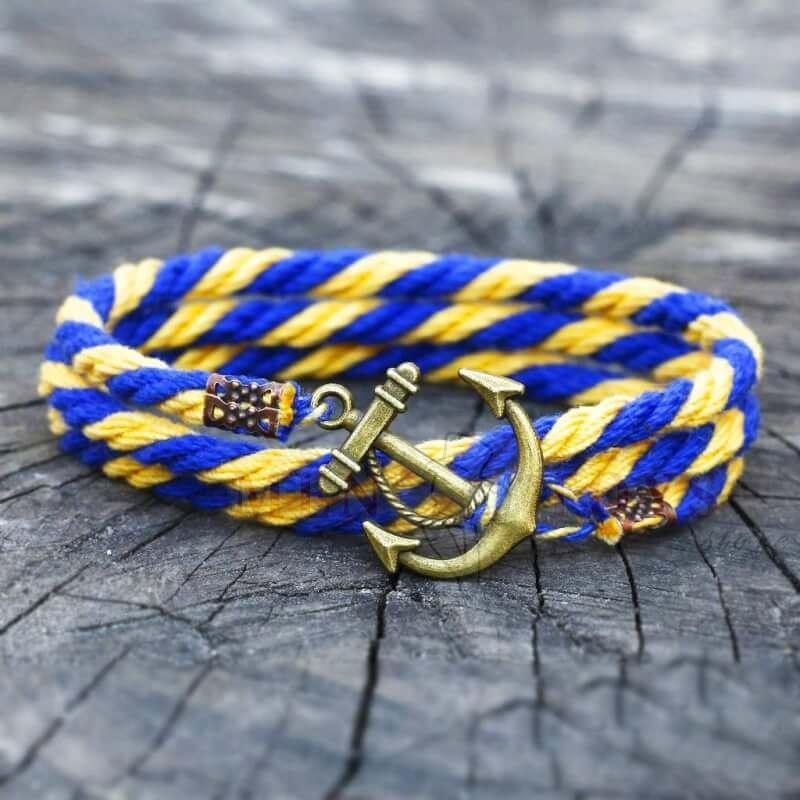 желто-голубой браслет с якорем