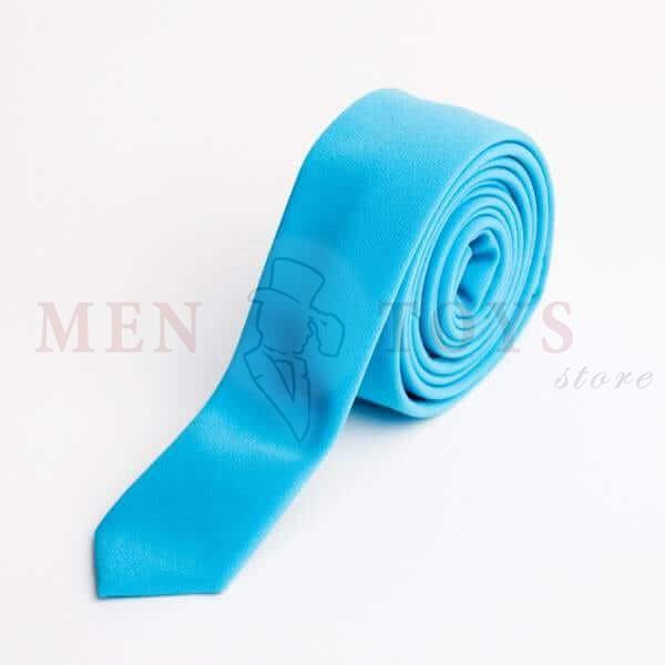 голубой галстук из костюмной ткани