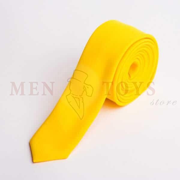 желтый галстук из костюмной ткани