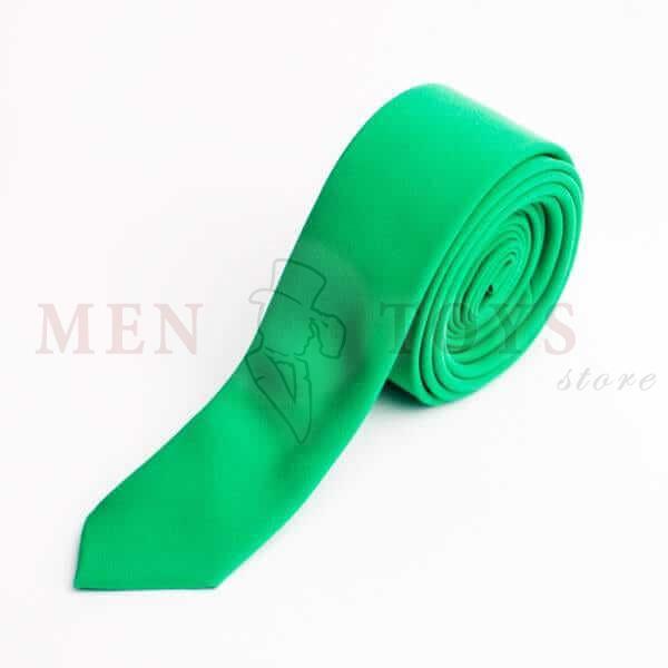 зеленый галстук из костюмной ткани