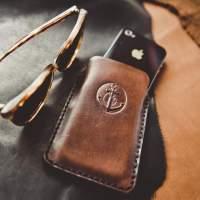 Купить кожаный чехол для телефонов, чехол для телефонов купить в MenToys